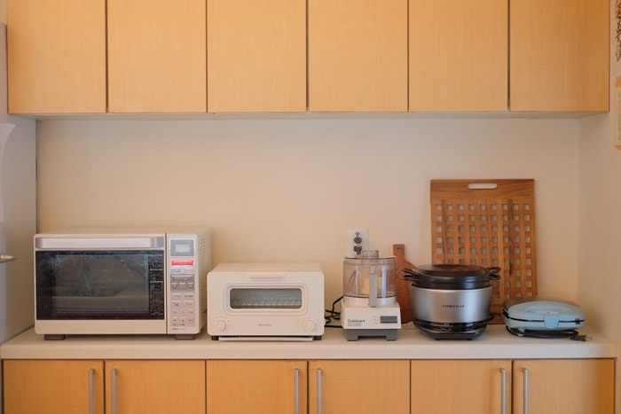 キッチンに並んだバーミキュラライスポット