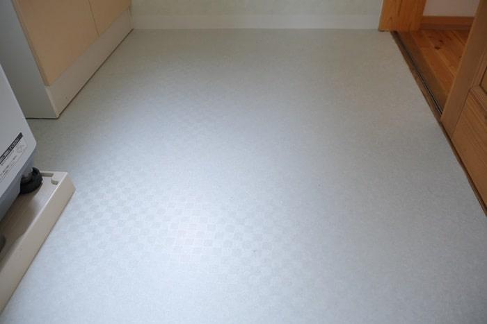 洗面所のリフォームアフター 床材新調